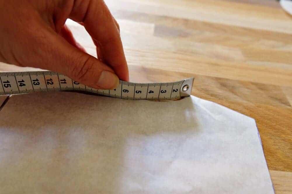 Halsausschnitt T-Shirt messen