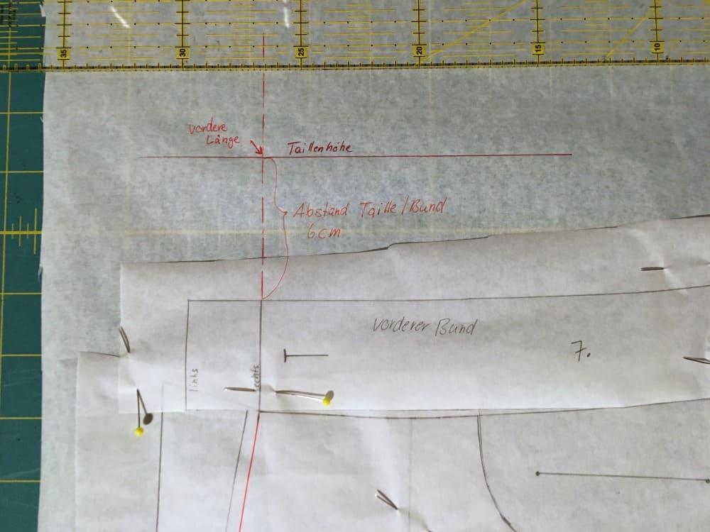Taillenhöhe der Hose zeichnen und messen