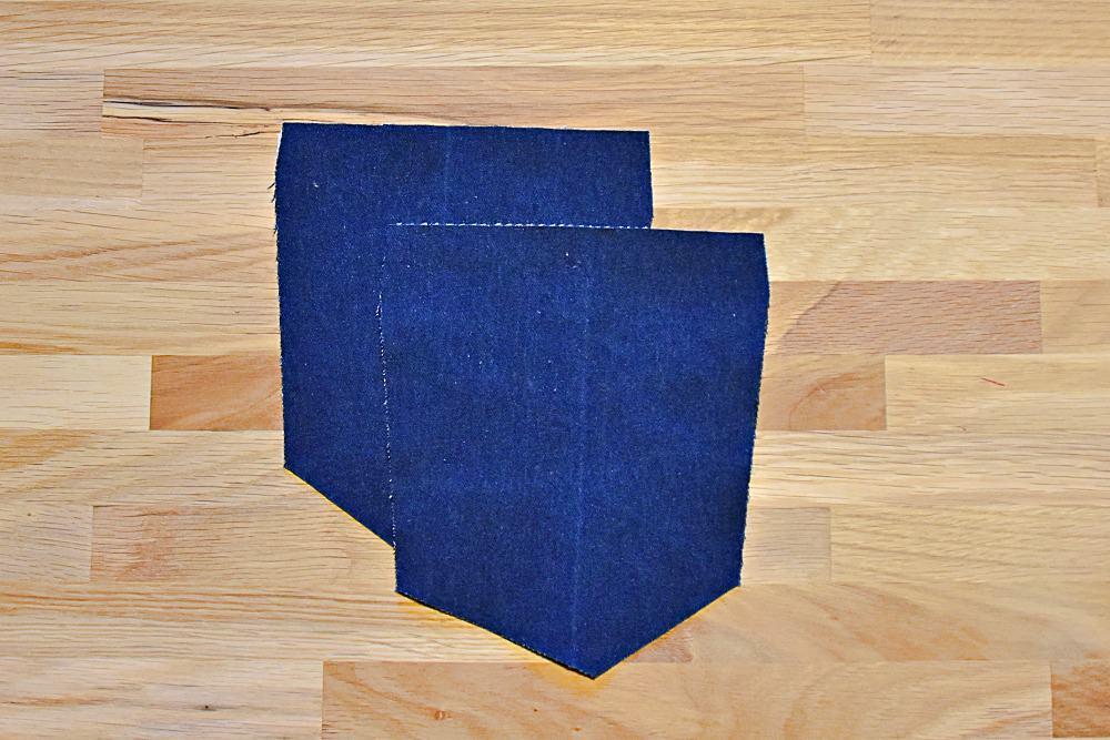 Zugeschnittene Gesäßtaschen einer Jeans zum selber nähen