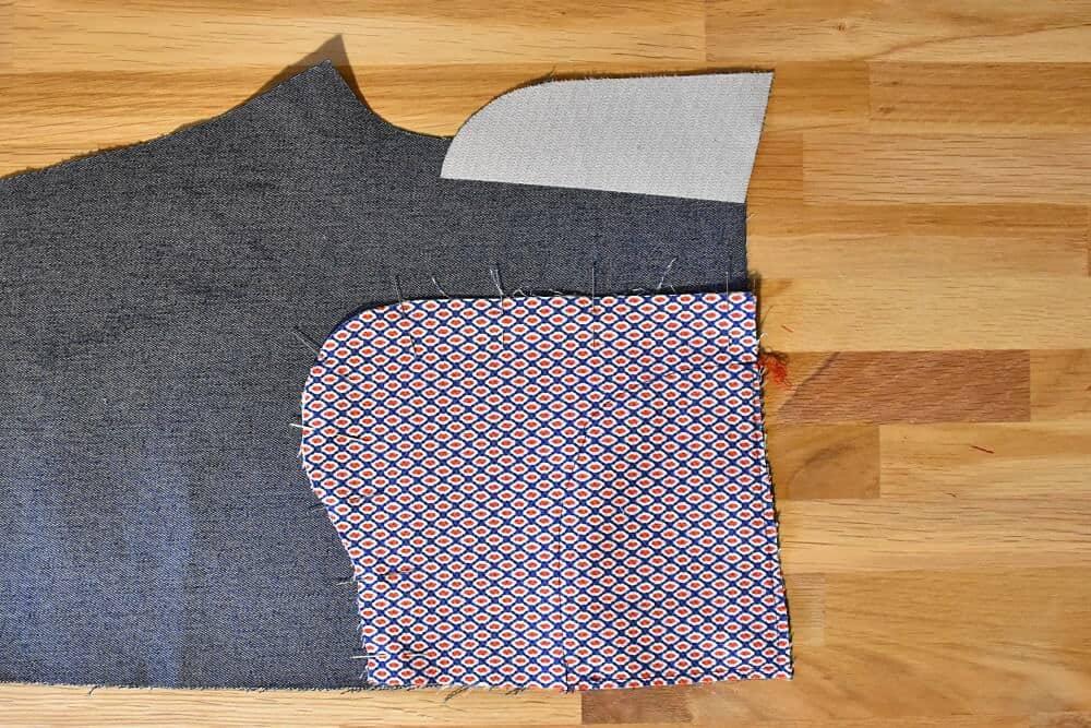 Taschenbeutel aufeinander stecken
