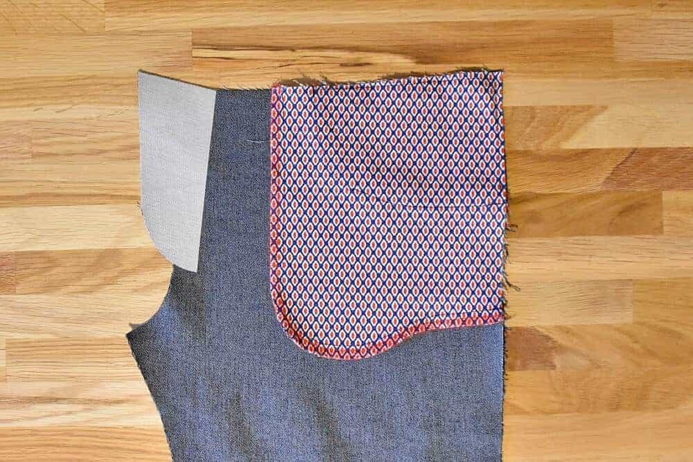 Versäuberter Taschenbeutel mit Overlock