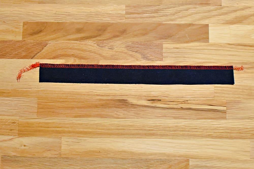 Streifen für Gürtelschlaufen herstellen und nähen