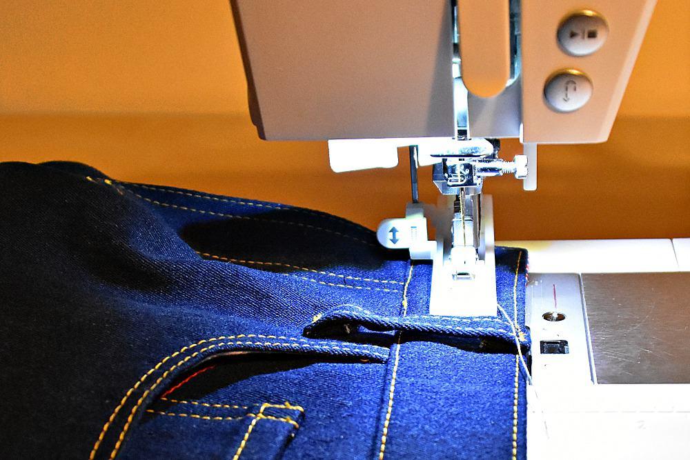 Knopfloch für Jeans nähen