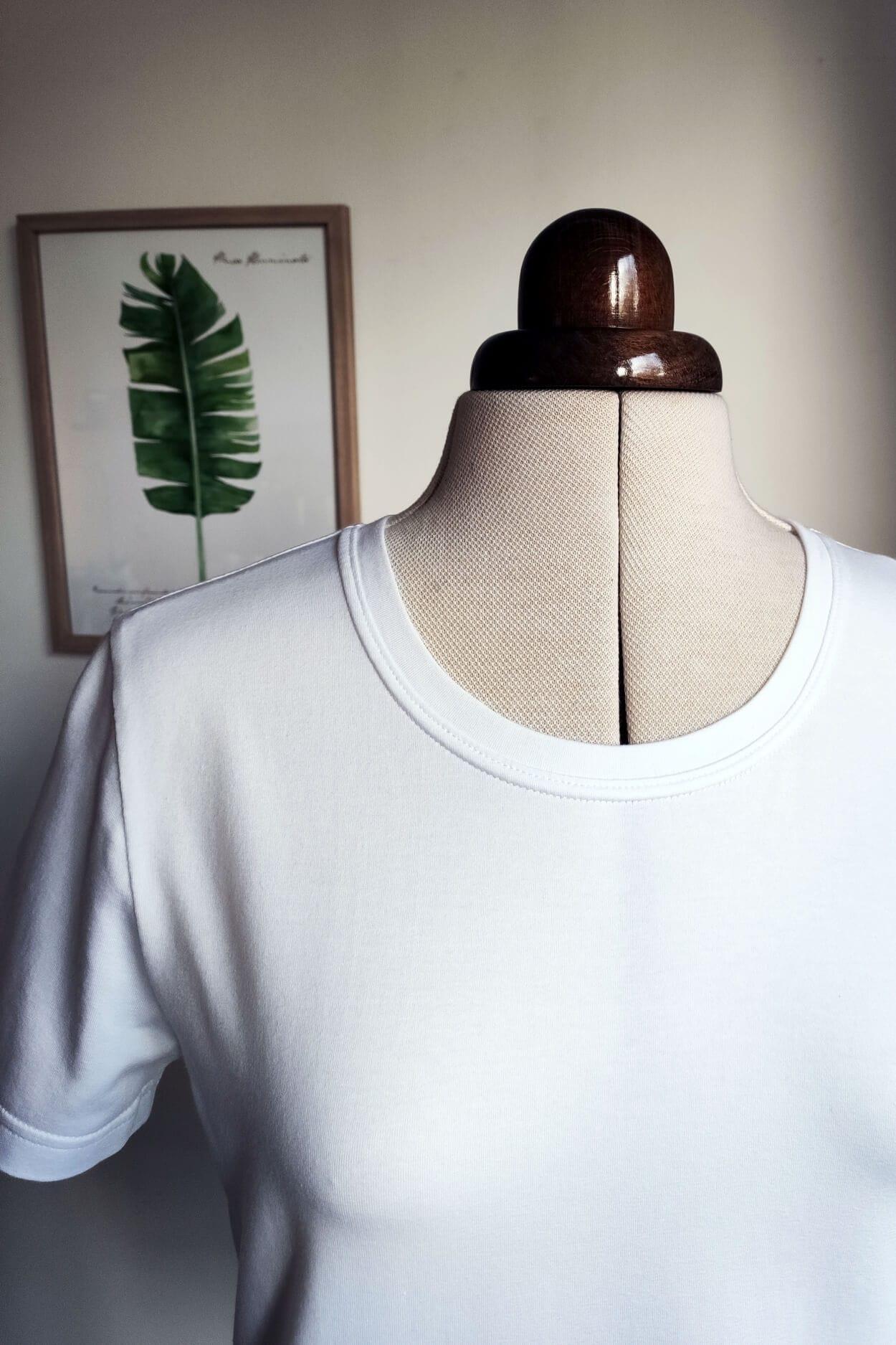 Kostenloses Schnittmuster für ein T-Shirt mit kurzen Ärmeln