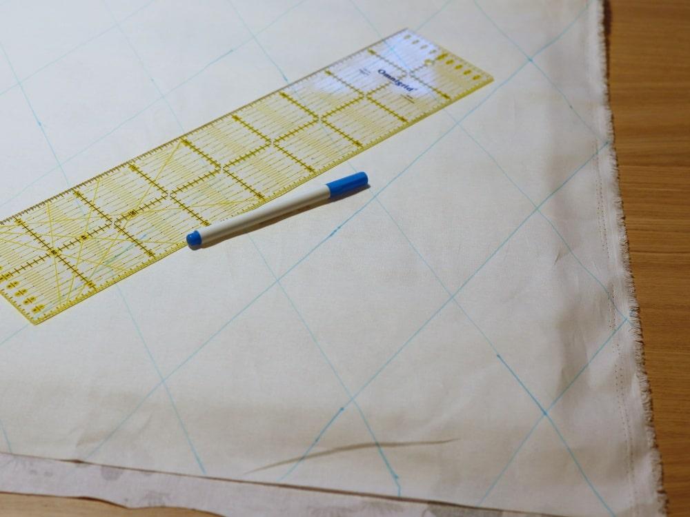 Quiltlinien mit Lineal zeichnen