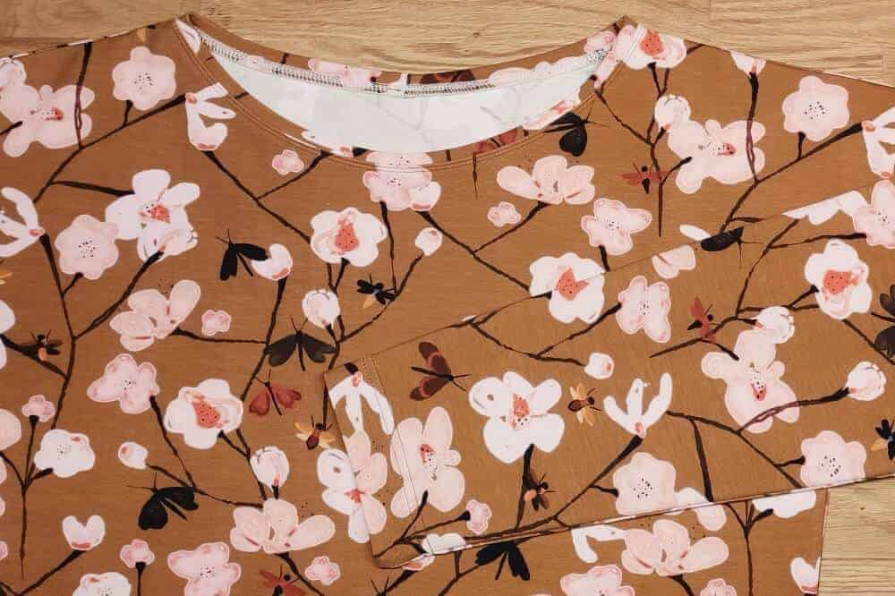 T-Shirt saeumen mit Coverlock oder Zwillingsnadel