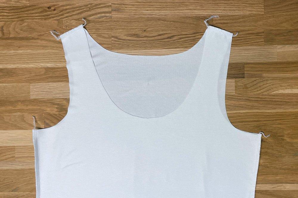 Schulter und Seitennaehte naehen mit Ovelock oder elastischem Stich
