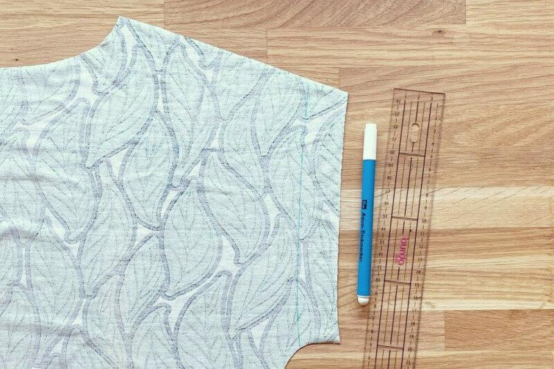 Ärmel-Saumzugabe einzeichnen am Jerseykleid